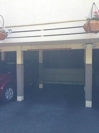 Casa Laguna Hotel & Spa: Carport under Ocean View Rooms