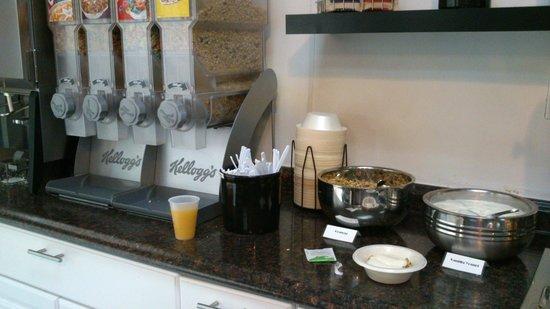 Days Inn Williams: Desayuno americano