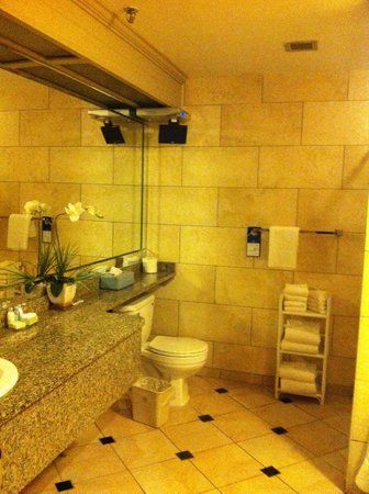 Best Western Plus Port O'Call Hotel: The Upgraded room