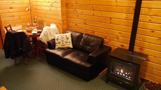 Fox Glacier Lodge: Living area