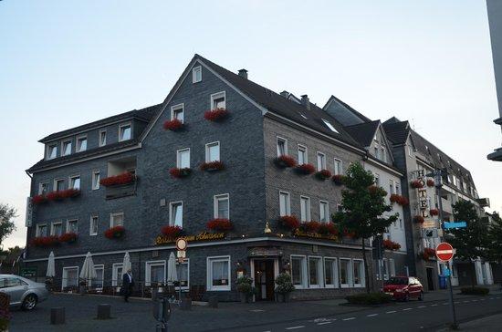 Hotel zum Schwanen view from the road to hotel and restaurant