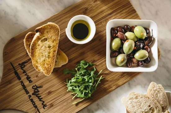 Old City Bank Brasserie: Olives