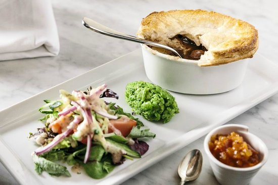 Old City Bank Brasserie: Beef and Guinness Pie