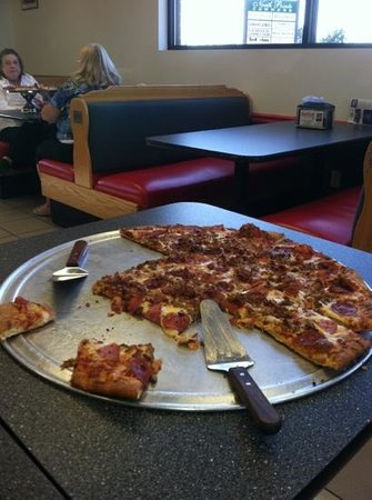 Lefty's Pizza