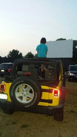 Big Sky Drive In : Top down & ready for the movie