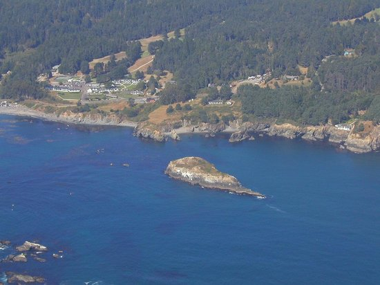 Blanchard House : View of Whale Rock from the air