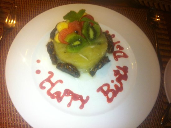 Kamalaya Koh Samui: I celebrated my 25th Birthday here (Detox BDAY cake)