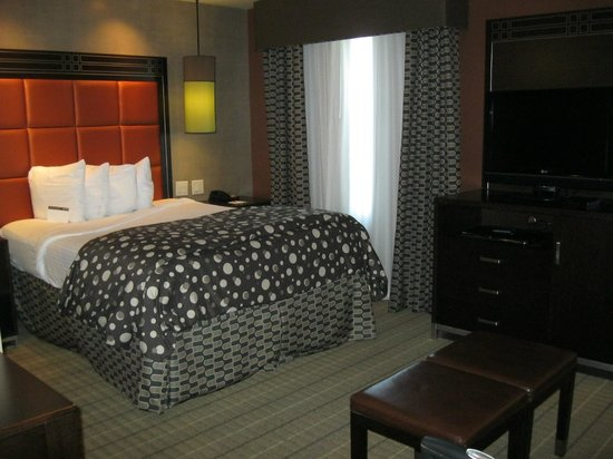 StayBridge Suites DFW Airport North : Comfortable Firm Bed