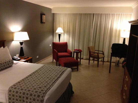 Crowne Plaza Panama: hotel room