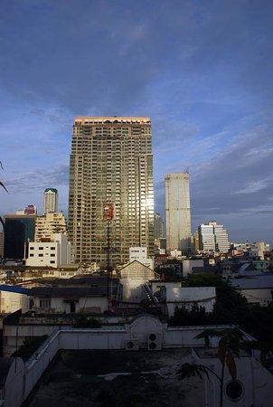 Sabai Sathorn: Vue ouest depuis le balcon