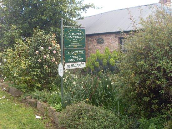 Laurel Cottages: Front of Cottage