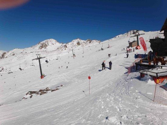 Base picture of cerro catedral ski resort san carlos de for Fuera de pista cerro catedral