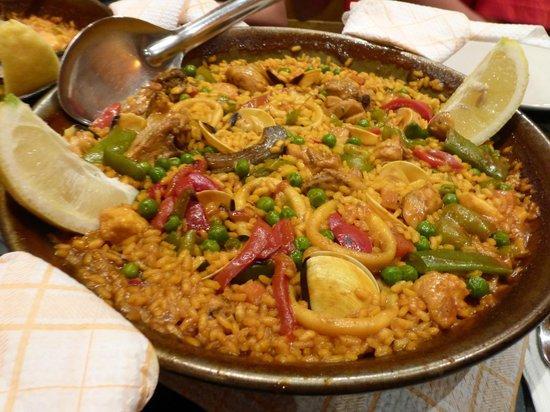 La Parrala Paella Bar: Mixed