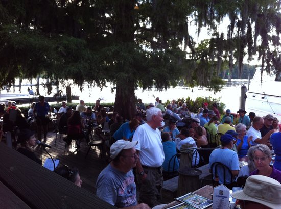 K-Rae's Waterway Bar & Grille: Perfect day!
