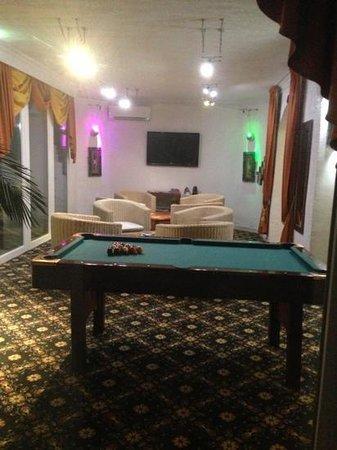 Hotel le Mirage : le billard dans l'hôtel