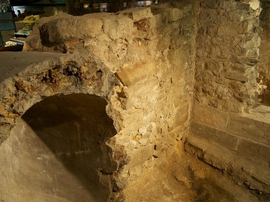 Archeological Crypt of the Parvis of Notre-Dame: Roman Ruins from ancient Paris