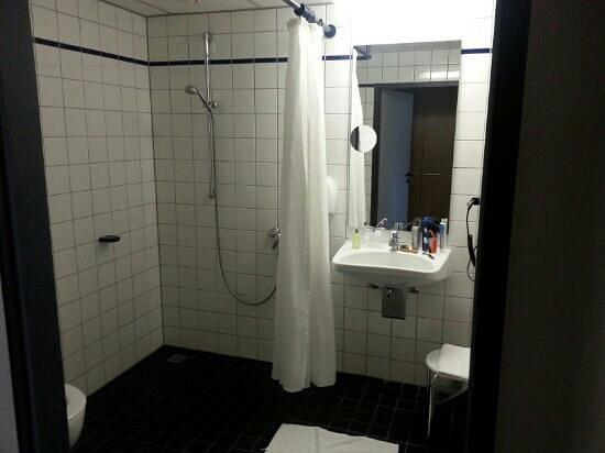 Commundo Tagungshotel: Badezimmer