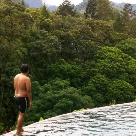 The Grand Hill Bistro Cafe & Resort-Hotel: the infinity pool