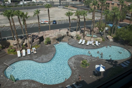 Embassy Suites by Hilton Las Vegas : Pool was great