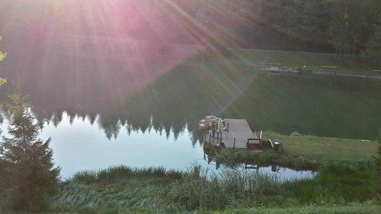 Rezort Apartmany Hrabovo: morning lake
