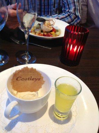 Highgrove House Hotel: Ice-cream with Limoncello