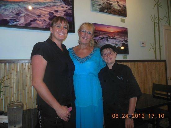 Maui Brick Oven: Owner daughter & grand daughter