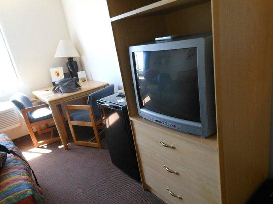 Super 8 Lake Havasu City : TV