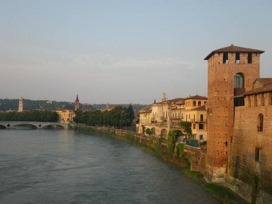 Best Western Hotel Firenze: More views walking around the riverwalk in Verona