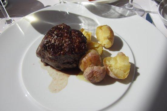 Iberostar Grand Hotel Salome: Fillet steak at pool bar