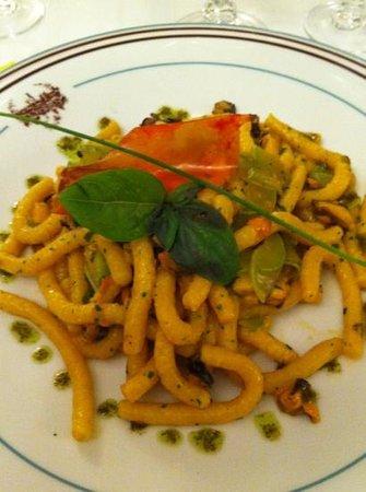 Trattoria da Massimino : passatelli asciutti saltati con cozze fiori di zucchini e trombette