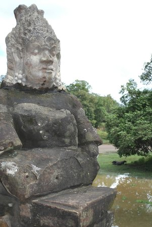 Angkor Cycle - Private Day Tours: South gate of Angkor thom