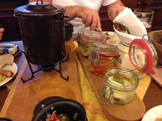 Plzensky restaurant Andel: mix syru