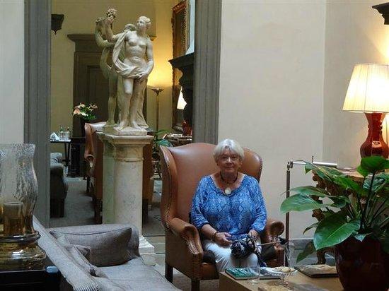 Palazzo Vecchietti Suites and Studios: Entrance Hall