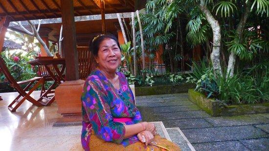 Puri Saraswati Bungalows: Ibu Saraswati yang ramah.
