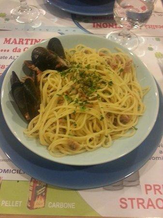 Bar Gelsa: Spaghetti allo scoglio. A big and yummy dish for 6 euro!