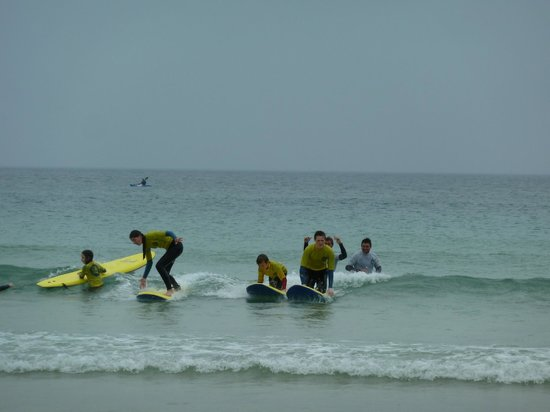 St Ives Surf School : St Ives great surf site for active holidays