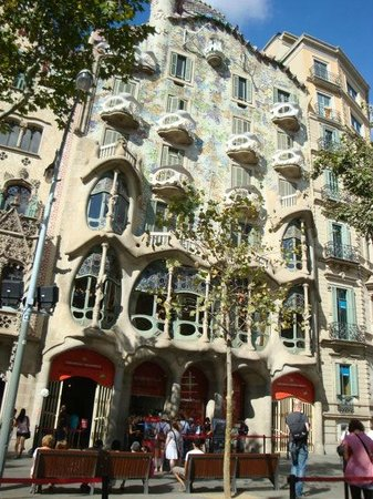 tours gaudi barcelona 2018 all you need to know before you go
