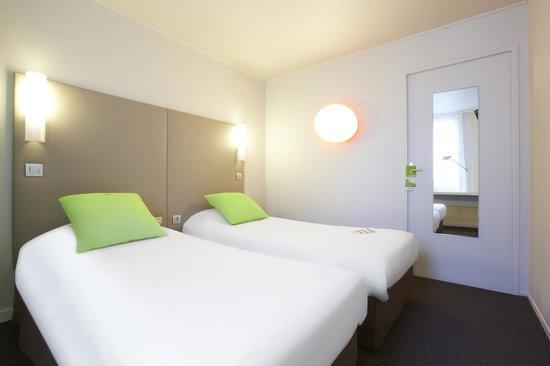 Campanile Paris Ouest - Pte De Champerret Levallois : Bedroom