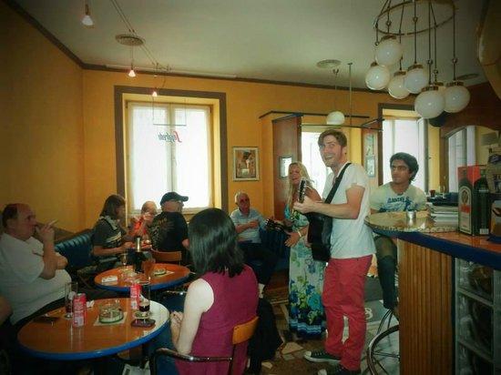 Adabei Cafe: Charlie D & Linn Live Performance 13.07.13