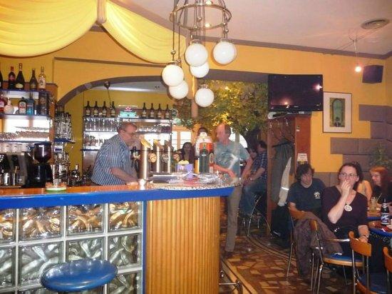 Adabei Cafe: Herbie 'Smith' Schmied - Jazz-Rock Live Session 08.06.13
