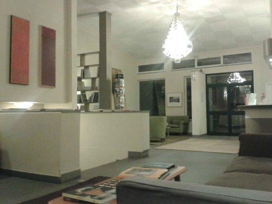 Hotel Terre di Casole: Hall
