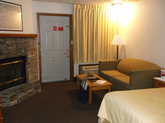 Quality Inn & Suites at Dollywood Lane: Entry