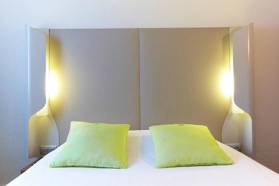 Campanile Argenteuil : Bedroom