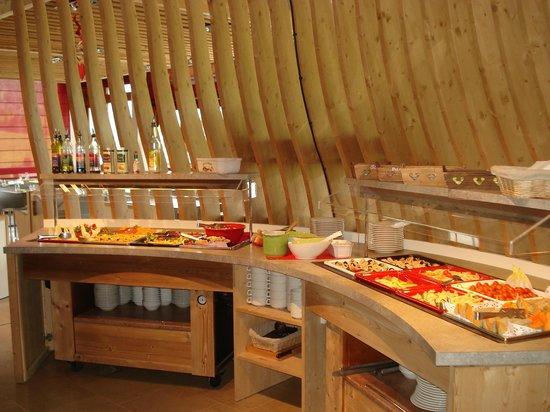 AEC Forgeassoud : Buffet du restaurant