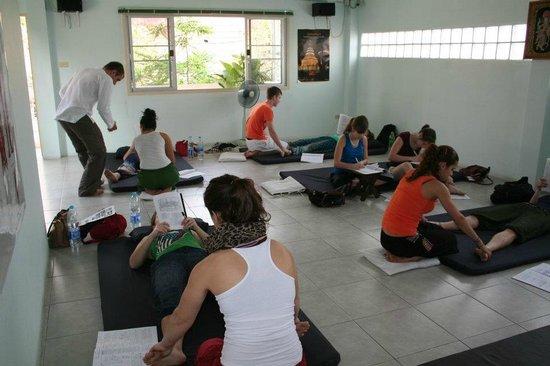 Estudio de clase de masaje tailandés intermedio - Picture Of Svg-6717