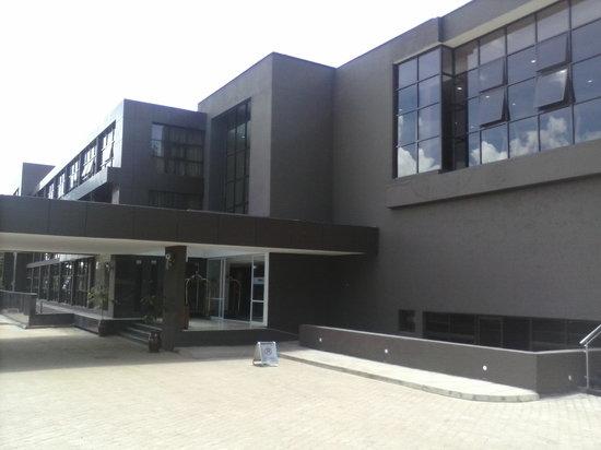 Boma Inn Eldoret: Hotel Exterior