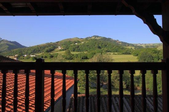 Logis Hotel Xoko-Goxoa: Vue depuis le balcon d'une des chambres