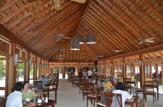 Vilamendhoo Island Resort & Spa: Dining room
