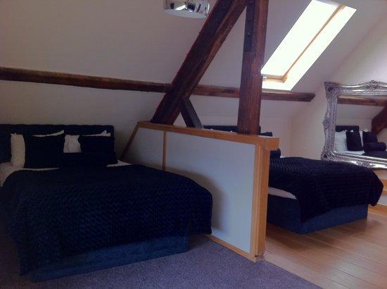 Signature Living Hotel: 3 double bed bedroom (1st floor)