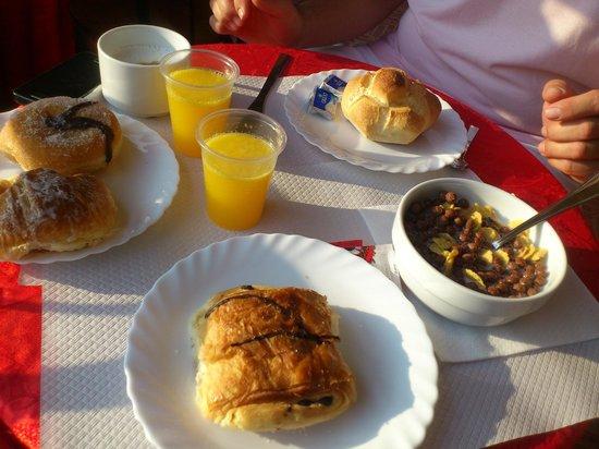 Nardizzi Americana: Desayuno